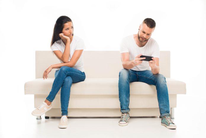 A női kommunikáció érzelmekről szól