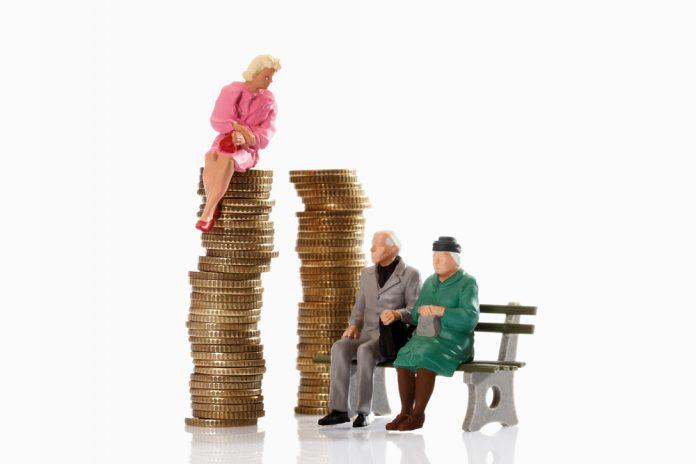 A nyugdíj előtt fontos a nyugdíjbiztosítás megkötése