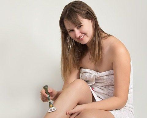 A borotválás és a szőrtelenítés a szépségápolás része