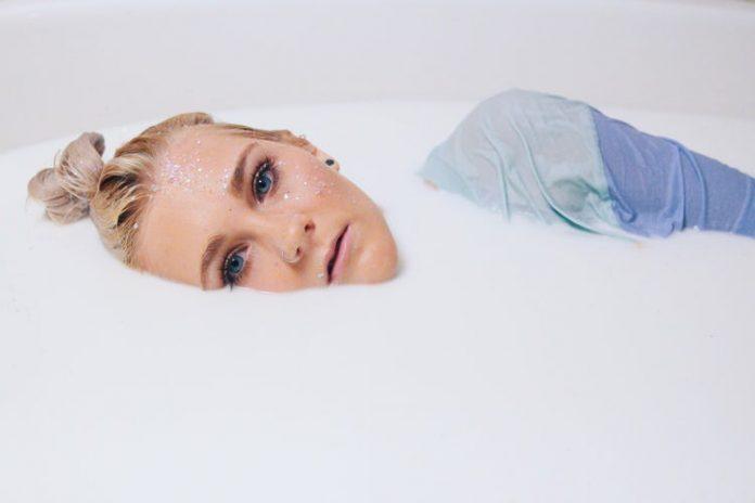A zsíros bőr házilag is kezelhető