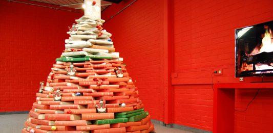 DIY Karácsonyfa az irodalom remekeiből