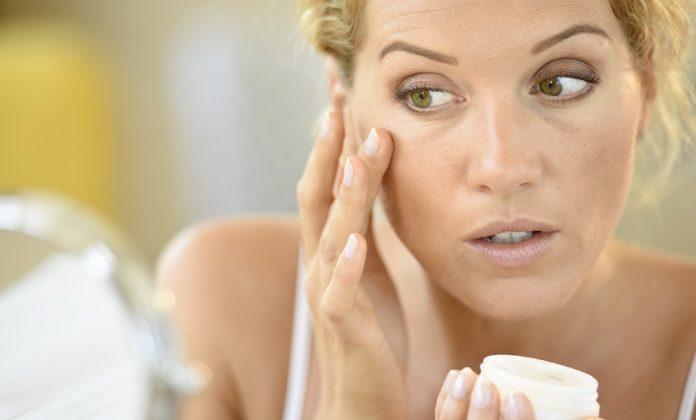 A bőrápolás 50 fölött a megfelelő hidratáláson is múlik