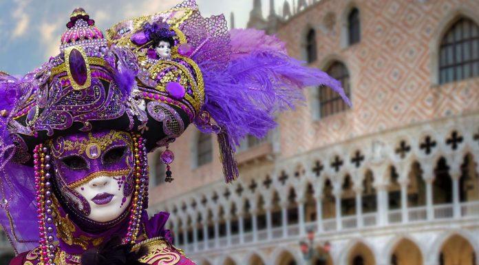 A velencei karnevál minden évben hatalmas ünnepség