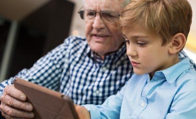 Nagypapa megnyugtató oázis lehet válás idején