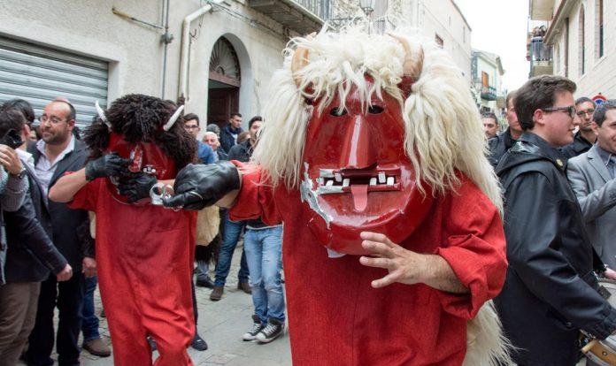 Húsvét Szicíliában, Prizziben