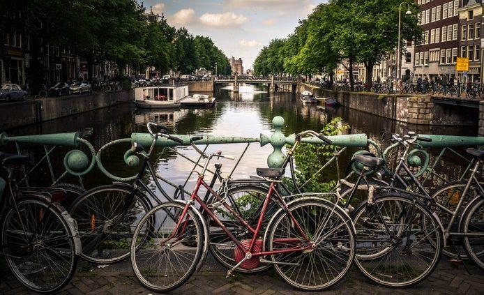 Hollandia cölöpökre épült fővárosa, Amsterdam