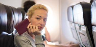 A repülés bár unalmas, de sok mindenre használhatjuk az időt
