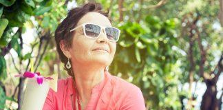 Egy mutatós napszemüveg és máris izgalmasabb a divat 50 fölött