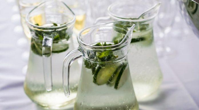 Az uborkás víz citrommal vagy mentával is nagyon finom