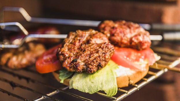 A grill pikáns ízt ad a zöldségeknek és a húsoknak is