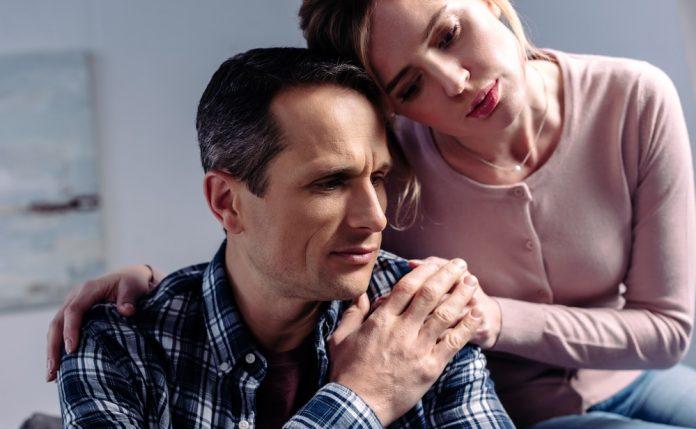 Az üres fészek szindróma mindkét szülőt megviselheti