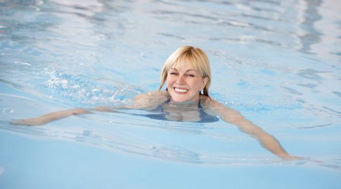 50 fölött a nyári sportok egyik legnépszerűbb műfaja az úszás