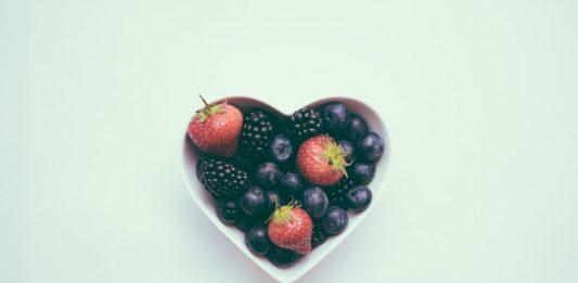 A immunrendszer erősítése 50 felett: az eper és az áfonya kiváló alapanyag