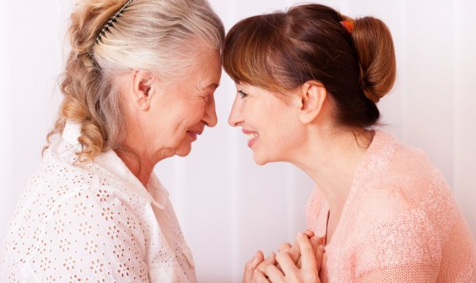 Egy beteg szülő ápolása teljes embert kíván