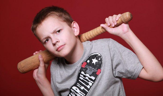 Az iskolai bántalmazás elkövetője is segítségre szorul