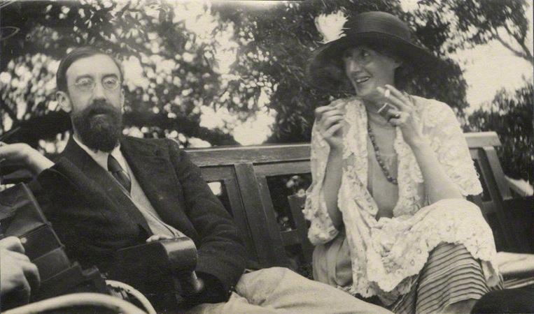 Lytton Strachey és Virginia Woolf (forrás: wikimedia.org)