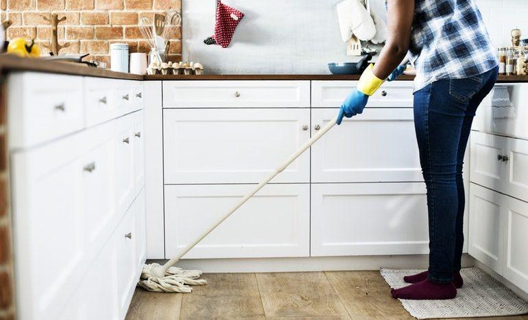 a ház takarítása segít a fogyásban)