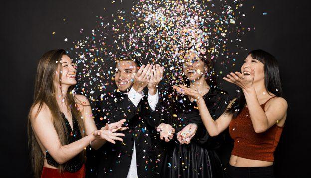 Egy céges karácsony például egészen más öltözetet kíván, mint egy családi összejövetel