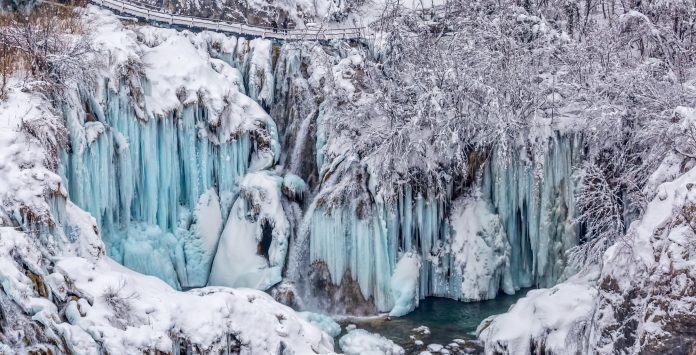 Plitvicei-tavak télen