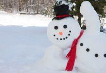 A hóember építés a tél egyik örömforrása