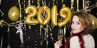 Az újévi szokások a fényes jövőhöz kapcsolódnak