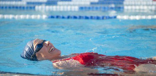 Az úszás előnyei mind fontosak az egészség megőrzéséhez