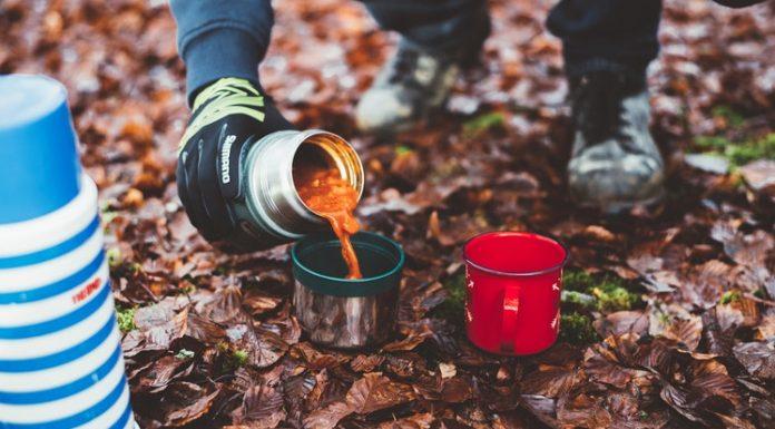 A műanyagmentes utazás alatt használjunk például termoszt!