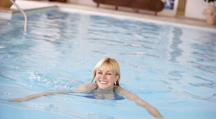 Az aquafitness gyakorlatok testnek és léleknek is jót tesznek