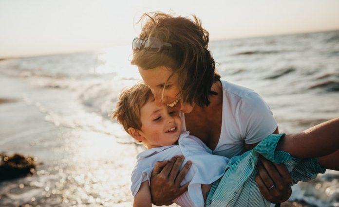 Gyorsan felnőnek, ezért is fontos a jó szülő gyermek kapcsolat