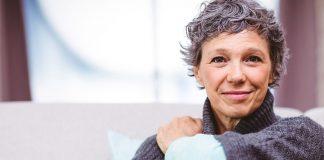 Miért jó egyedül élni 50 felett?