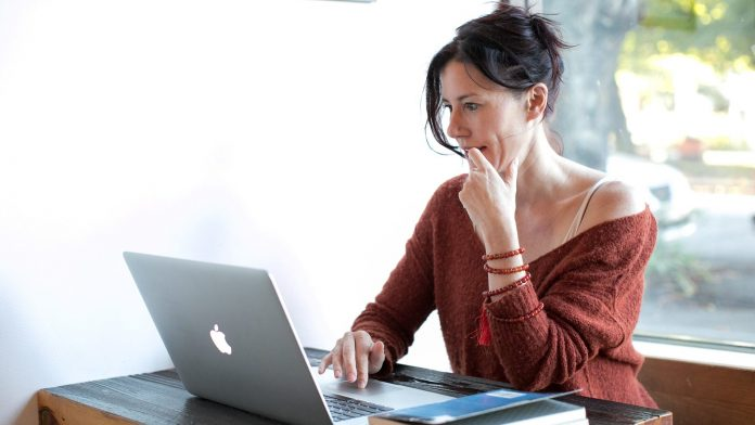 Az online társkereső oldalak veszélyei